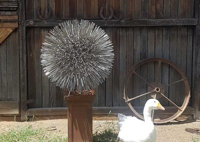 deluxe-large-allium-ball-nature-in-metal